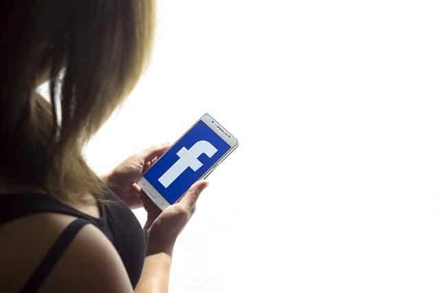 צאט בוט עמוד פייסבוק